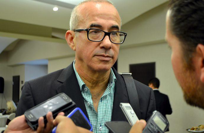 AMLO trata de blindar su irresponsabilidad con encuestas patito: Éctor Jaime