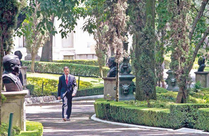 EPN despedida sin ruptura; AMLO bienvenida expectante