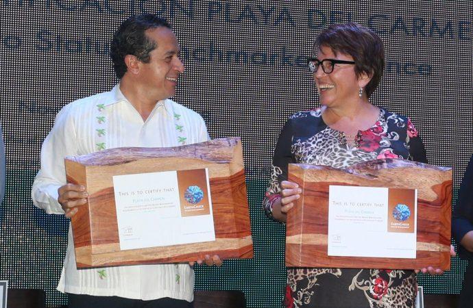 Carlos Joaquín y Laura Beristain unidos por Playa del Carmen