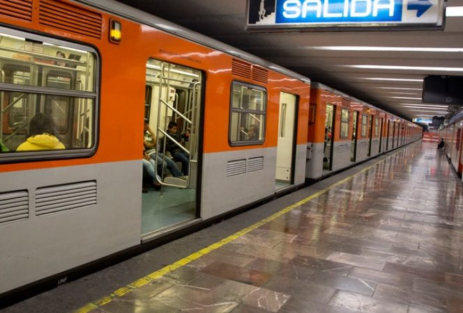 Ooootra vez vuelve a fallar Línea 2 del Metro
