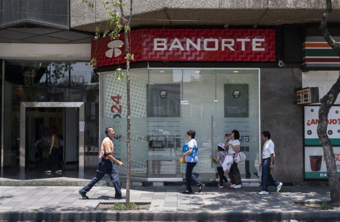 Morena propondrá en el Senado prohibir el cobro de comisiones bancarias
