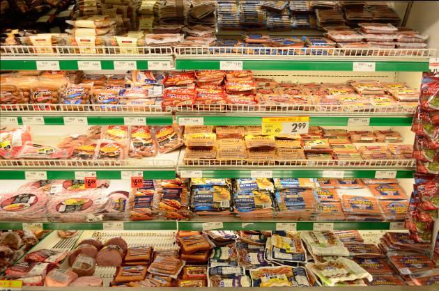 Especialista internacional advierte sobre daños de alimentos ultraprocesados