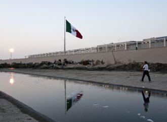 Autoridades de EUA cierran cauce del río Tijuana por migrantes