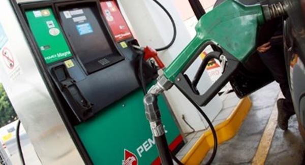 PRD recolectará firmas a nivel nacional para bajar precio a gasolinas