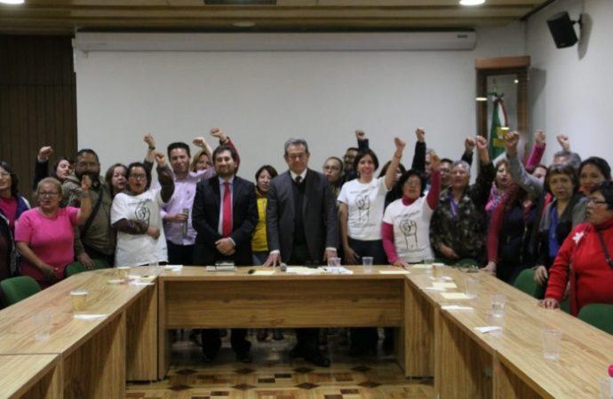 Acuerdos de autoridades-damnificados garantizan continuidad del proceso de reconstrucción
