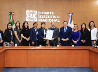 Entrega CONECEN Constancia de Mayoría a planilla encabezada por Marko Cortés