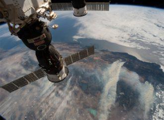 Tripulantes de la Estación Espacial regresan a la Tierra
