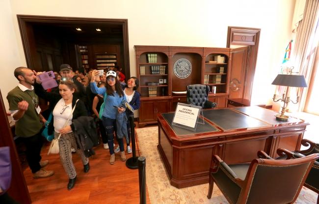 Asisten más de 20 mil personas a Los Pinos en primer día como museo