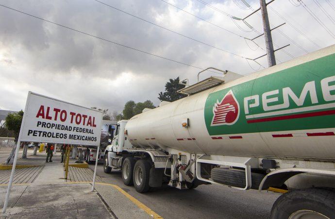 Pemex regulariza venta de combustible en diversos estados