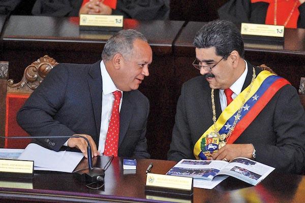 Acepta Maduro mediación de México
