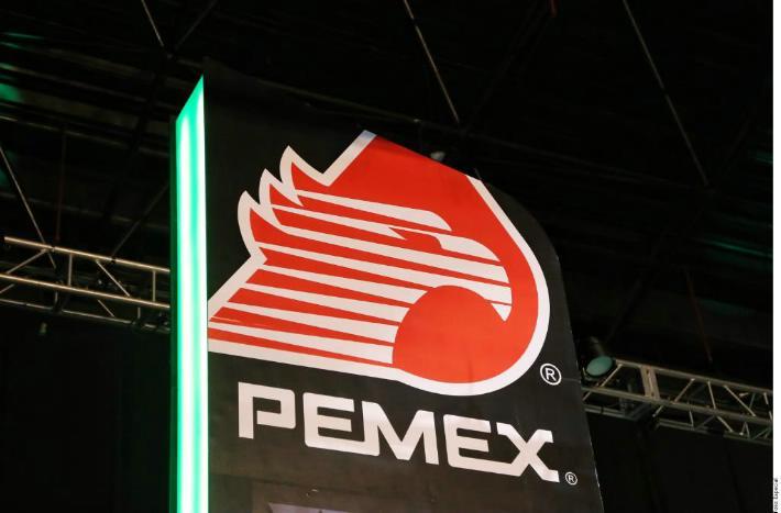 """Pemex está facturando más por plan contra """"huachicol"""", dice AMLO"""