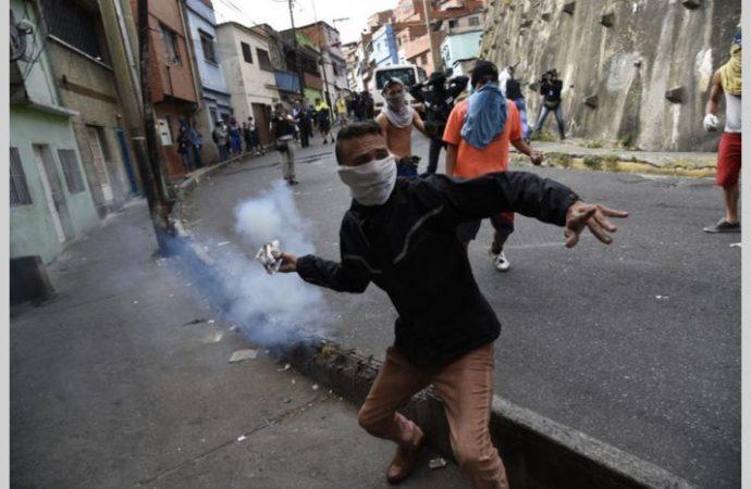 Organismos reportan ocho muertos y decenas de heridos en Venezuela