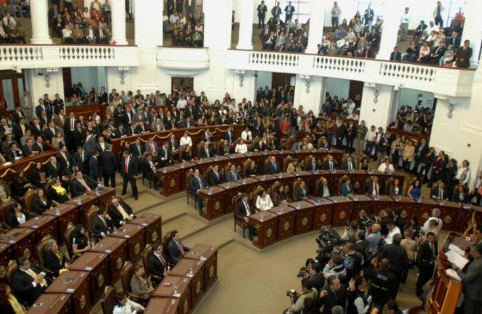 """Congreso CDMX hizo """"trampa"""" y """"patea"""" a 77 ex empleados"""
