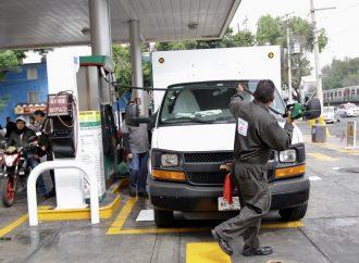 Despachadores de gasolina en la CDMX pagan por trabajar