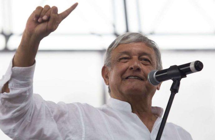 Habitantes de Sinaloa le hacen peticiones a AMLO