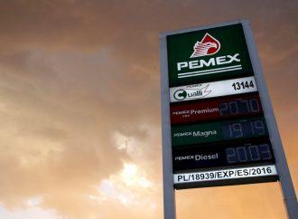 Advierten que calificación de Pemex puede impedir la baja de tasas