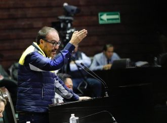 Por votar a favor de las reformas de AMLO quieren expulsar del PRD a Toledo