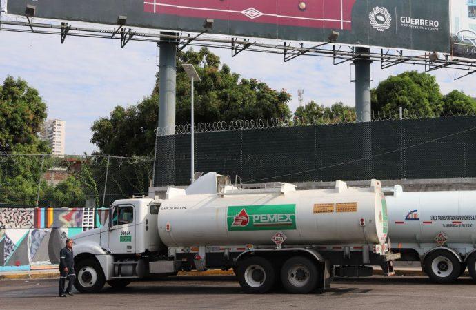 Las pipas que trasportan combustibles de PEMEX no cumplen con las normas de seguridad: PRI