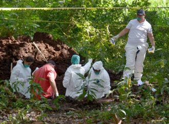 Encuentran 26 cuerpos en fosas clandestinas de Mazatlán