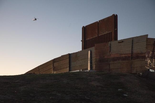 Pentágono autoriza mil mdd para muro con México