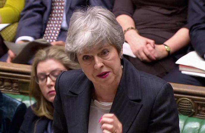 Prórroga de Brexit ayudaría a parlamento a tomar una decisión final: Theresa May