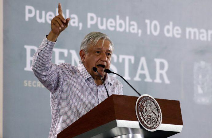 ¿Baja AMLO a Barbosa de la contienda por Puebla?