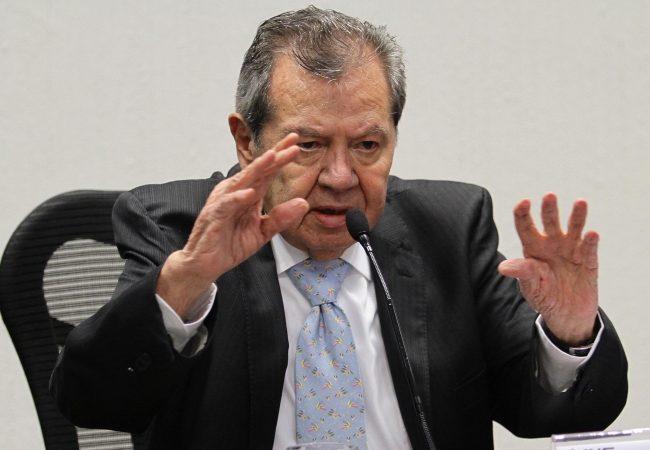 Bloqueos a Cámara de Diputados sólo exacerban los ánimos, asegura Muñoz Ledo