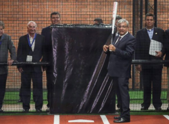 Beisbol asunto de Estado, capricho de López Obrador: El País