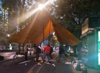Barzonistas realizan plantón en Paseo de la Reforma