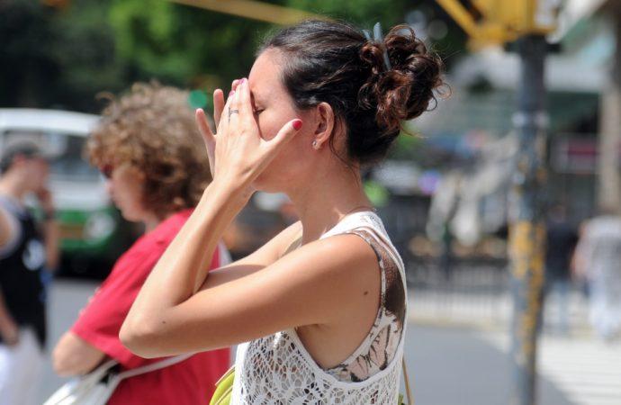 Exposición prolongada al sol causa daño irreversible a la piel: IMSS