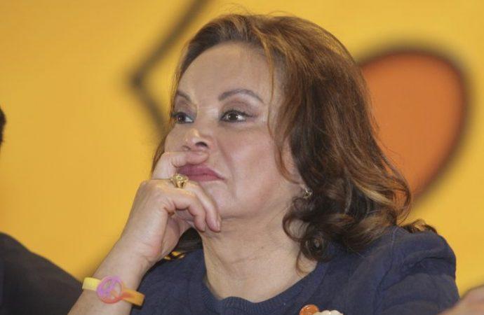 FGR devuelve a Elba Esther Gordillo bienes asegurados