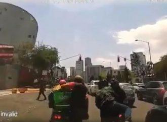 Ladrones en moto se disfrazan de Uber Eats para asaltar en Santa Fe