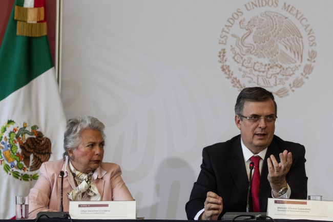 Refrenda Gobierno de México política migratoria, de brindar ayuda humanitaria