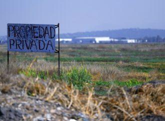 """""""Queremos vender, no regalar"""" vecinos de la base aérea de Santa Lucía"""
