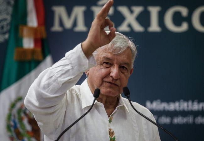 Hay mucha confianza en México, afirma AMLO tras charla con banqueros