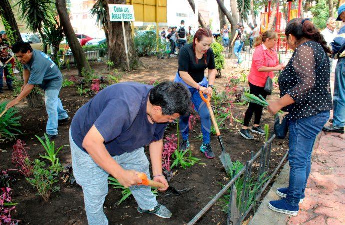 Recuperan espacios para calidad de vida en Alcaldía Iztacalco vecinos y trabajadores en jornada doble: Reto verde y Sábado Comunitario