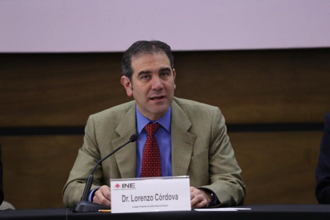 Lorenzo Córdova invita a señalar supuestos excesos en el INE