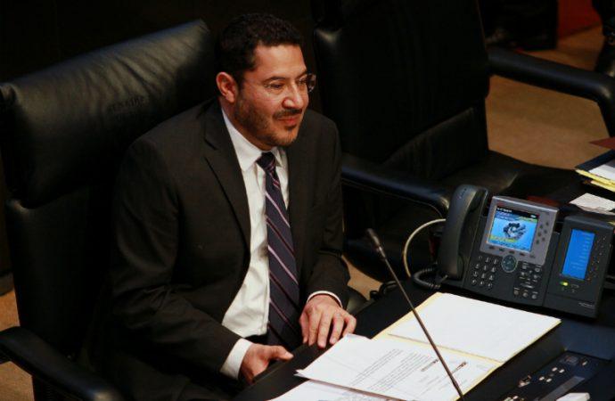 Nadie en el Senado gana más que el Ejecutivo federal, dice Martí Batres