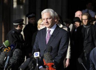Tribunal sueco rechaza ordenar arresto de Assange por violación