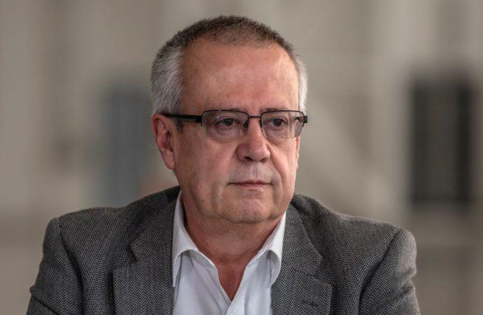 Urzúa publica su renuncia, y exhibe como inconsecuente y caprichoso a AMLO