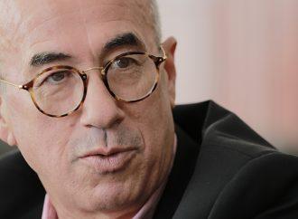 Crisis en sector salud por políticas de austeridad: Ector Ramírez