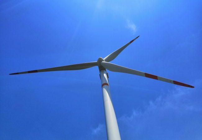 Amplían un año el plazo al Poder Ejecutivo Federal para emitir Norma Oficial sobre generación de energía limpia