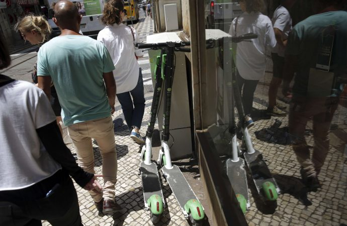 Lisboa toma medidas contra epidemia de scooters eléctricos