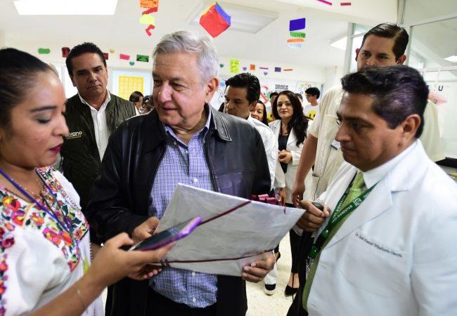 "Fin a los ""aviadores"" en educación de Michoacán, perfila López Obrador"