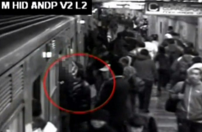 """Libre """"El Chocorrol"""", nadie denunció al presunto ladrón de celulares en el Metro"""