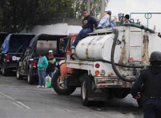 Ante la falta de agua, distribuye alcaldía más de 120 viajes de pipas del líquido