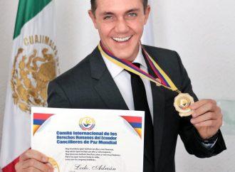 Adrián Rubalcava es nombrado Caballero de Honor por el comité internacional de Derechos Humanos de Ecuador