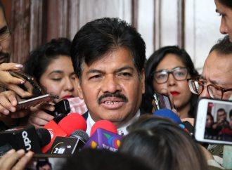 Francisco Chiguil revienta ante reporteros