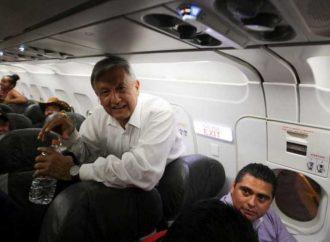 Le amargan vuelo a AMLO; Piloto le pide continuar con obras del NAIM