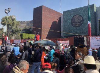 Campesinos realizan plantón permanente en la Cámara de Diputados